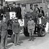 F4514<br /> Bevrijdingsoptocht. Foto: 1945.<br /> Jan Vonk, George Zonneveld en Piet van Pijpen staan op de foto.
