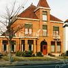 F2902<br /> Villa Hestia, gebouwd  in 1909 aan de Hoofdstraat op nr. 149 voor notaris G. ten Bruggencate. Nu (2017) wordt het pand al vele jaren bewoond door de fam. P. Meijer. Foto: 1992.