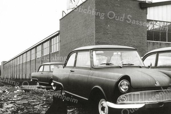 F1190c <br /> Bedrijfspand van de auto-importeur Hart Nibbrig en Greeve. Foto: 1955.