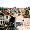 F4376b<br /> UItzicht op de Koetsiersweg. Linksonder villa Nancy. Foto: 2002.