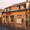 F4255<br /> <br /> De panden aan de Kerklaan 25 en 27. In het linker pand woonde de weduwe P. van Rijn-Lemmers. Foto: 2002