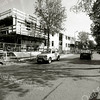 F2454<br /> Vanaf de hoek Parklaan/Adelborst van Leeuwenlaan zien we de bouw van het  appartementencomplex Sassemerhof. Foto: 2000.