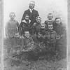 F3998<br /> Het gezin van Adrianus van Breda. Foto: 1899