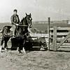 F1869 <br /> Jan van der Geest op zijn paard. Op deze plaats ligt nu de Vliegeniersweg, in de buurt van de kruising met de Albert Plesmanlaan. Foto: ca. 1959.
