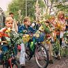 F2551<br /> De kindercorso op de Hoofdstraat. Foto: 2003.