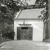 F0854 <br /> Collectie Oudshoorn 085: portaal ingang Ned.-herv. kerk of Dorpskerk. <br /> Foto: vóór 1921.