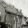 F3300<br /> Boerderij Bij Dorp van de fam. Waasdorp staat in brand. Foto: 1949