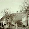 F3418<br /> De zeventiende eeuwse boerderij/woning van de fam. v.d. Meij aan de Hortuslaan. Jarenlang zijn daar noodslachtingen verricht door Van der Meij, bijgenaamd 'de Knors'.  De boerderij is gesloopt in 1958.
