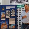 F3650<br /> De uitreiking van de Oud Sassenheim Restauratieprijs 2014 op 12 september 2014 aan Peter van Biezen (Heemborgh Makelaars) voor de restauratie van het pand Hoofdstraat 271-273.