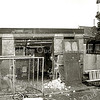 F2497<br /> Het brandweerhuisje in de Floris Schoutenstraat valt onder de slopershamer. Foto: 2002.