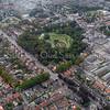 F3466<br /> Een luchtfoto van het centrum van Sassenheim. In het midden is park Rusthoff te zien. Links daarvan loopt de Parklaan. Foto 2009