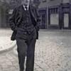 Fcs0151<br /> Engel Franken bij de Teijlingerlaan. Hij woonde in de Burchtstraat, later in het tuinhuis naast huize West End. Hij is in de oorlog overleden.