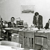 F2804<br /> In het gemeentehuis van Sassenheim. V.l.n.r.: dhr. Berntzen, dhr. Matzee, Leo Kortekaas en n.b.