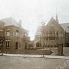 F3154<br /> De Gereformeerde Kerk (Julianakerk) met de pastorie aan de Julianalaan. Architect Th. Anema. De bouw is hier nagenoeg gereed.  Op tweede paasdag 1912 werd de kerk plechtig in gebruik genomen.