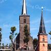 F2866<br /> De Dorpskerk aan de Hoofdstraat, met rechts een miniatuur van de kerk, uitgevoerd in luciferhoutjes door J.M. Haverkort.