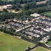 F4173 <br /> Een luchtfoto van de jachthaven 'Jonkman'. Foto: 2004