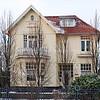 F3400<br /> Villa George, Hoofdstraat 307, is gebouwd voor G.L.D. van Reisen, die daar woonde tot ± 1992. Daarna woonde  H. Rietbrink (Rector Rijnlands Lyceum) in het pand. De huidige bewoner(2014) is P.W.M. Steenbergen.