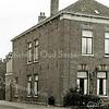 F2045<br /> De woning van meester Wiepkema aan de Hoofdstraat (nr. 298) op de hoek van de Molenstraat.