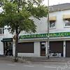 F3412<br /> Cafetaria 'Men Zegt' aan de Hoofdstraat bij de Oude Postbrug.