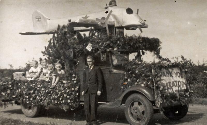 F4469<br /> Bevrijdingsoptocht. Foto: 1945