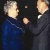 Fcs0166<br /> Z.K.H.Prins Bernhard reikt het Verzetsherdenkingskruis uit aan Mevr. Regina C.M. van der Neut-Elferink op 25 november 1983