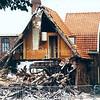 F0258 <br /> De restanten van café Sportrust en woonhuis op de hoek van de Rusthofflaan/J.P.Gouverneurlaan. De eerste eigenaar was Jan van der Voort, die werd opgevolgd door Piet v.d. Voort. Onder de nieuwe eigenaar Cor Grotenhuis brandde op 29 juni 1979 het café en het woonhuis grotendeels af. Links achteraan is nog een gedeelte van de bollenschuur te zien van de fam. Sikking.  Foto: 1979.