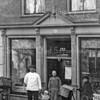 F3760<br /> Slagerij H. van Hage, gevestigd op Hoofdstraat 172 (oude nummering). Nu is de schoenenzaak van Witte daar gevestigd.