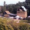 F3303<br /> De boerderij aan de Boschlaan, gezien vanuit een woning aan de Hoofdstraat.