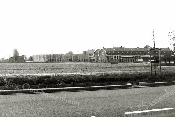 F3464<br /> De Teijlingerlaan met rechts de oude Burchtstraat.