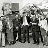 F2565<br /> CDA-bestuursleden van de Bollenstreek. In het midden de toenmalige landelijke politicus Camiel Eurlings. Geheel links de dames Van Beek en Bergman. Foto: 2004.