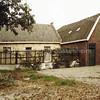 F3317<br /> De achterzijde van de boerderij aan de Menneweg 14.