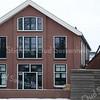 F3389<br /> De bollenschuur van Ant. van Duin aan de Molenstraat. Het pand is nu (2010) eigendom van Leindert van Nieuwkoop, die er een appartementencomplex van gemaakt heeft. Aan dit pand is de 'zwarte tulp'-prijs toegekend in 2009.