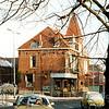 F1989<br /> De hoek Hoofdstraat/Teijlingerlaan. Het pand in het midden (met het torentje) was de sigarenwinkel van Barend van Loo, nu (2016) is Heemborgh Makelaars er gevestigd. Links op de hoek het pand van J. Westgeest (witgoed).