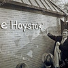 F2471<br /> De opening van De Hoystak, het clubhuis van de scoutinggroep Scojesa. Het pand staat op Sportdreef 6, achter het sport- en recreatiecomplex De Wasbeek. Foto: 2001.