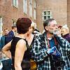 F1491 <br /> Persfotograaf Vermey uit Sassenheim bij het stadhuis in Leiden.