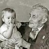 F2197<br /> Piet Klomp was chauffeur bij Warnaar & Co N.V. Piet Klomp was geboren in 1874 en woonde Hoekstraat nr. 1.