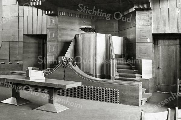F2854<br /> Foto van het interieur van de Gereformeerde kerk circa 1925