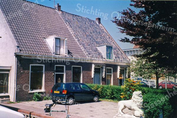 F0158 <br /> Twee panden aan de Hoofdstraat 127 en 129, gelegen aan de Hoofdstraat. Foto: 1996. Zie ook F0140.