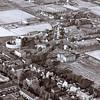 F3609<br /> Luchtfoto van de omgeving van de Teijlingerlaan.De ruïne is te zien met daaronder de bollenschuur van Reckman.Aan de overkant van de weg de bollenschuur van Papendrecht en Van der Voet.  Foto: voor 1981