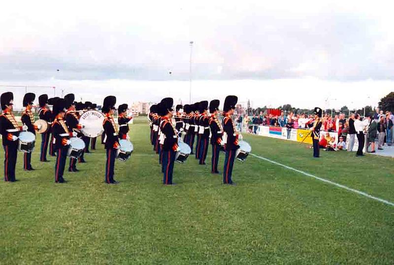 F4337<br /> Adest Musica tijdens de opening van sportpark 'De Roode Molen' in september 1995.