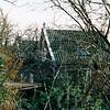 F4326a<br /> Hoofdstraat 102, vroeger het woonhuis van melkboer Th. Drost. Thans bewoond door architect J.W. Janssen, die het pand geheel heeft gerestaureerd. Foto: 2003