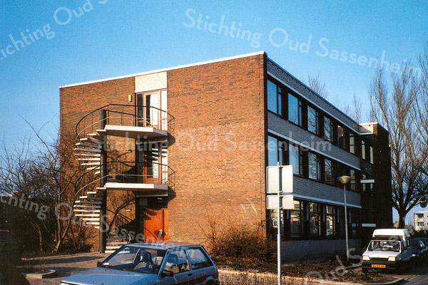 F0096 <br /> Het voormalige zusterhuis van de St. Bernardus, van achteren gezien. Foto: 1998.
