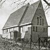 F2742<br /> Het kerkje van de Ned. Protestantenbond in de Julianalaan. Architecten: Ponsen en Lohmann Foto: vóór 1929