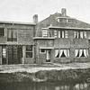 F2730<br /> Een dubbel woonhuis met werkplaats aan de Postwijkkade te Sassenheim.  Architecten: Ponsen en Lohmann. Foto: vóór 1929.