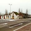 F1381c <br /> Rijksstraatweg / Warmonderweg, het pand van de fam. Juffermans. Rechts het café, het linker gedeelte is woonhuis. Rechts achter het café staat het huis van de fam. Stevens, Rijksstraatweg 68.
