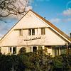F4344<br /> Het woonhuis van de fa. A.J.H. Aartman, Oude Vaartweg 3. Dit pand staat op de plaats waar vroeger Jan Ciggaar woonde. Foto: 2002