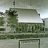 F2474<br /> Het gemeentehuis aan de Wilhelminalaan, gebouwd in 1992, nu (2017) gemeentekantoor van de gemeente Teylingen. Foto: 2001.
