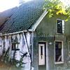 F0175 <br /> Het vroegere woonhuis van Jan van Tol aan de Kastanjelaan, later van zijn zoon Piet, de olieboer. Op de foto is het huis een bouwval en staat op de nominatie om gesloopt te worden. Verdere bijzonderheden over de fam. Van Tol: zie Kent U ze nog ..de Sassenheimers van A.M.Hulkenburg. Foto: 1970.