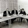 F2500<br /> De nieuwe coalitie van de gemeente Sassenheim: V.l.n.r.: Henriëtte Wilbrink-Dreef (CDA), Hans den Hollander (CDA), John van Dijk (VVD), Ineke van Steensel-van Hage (D66) en Albert Vink (PvdA). Foto: 2002.