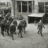F3140<br /> Mobilisatie in Sassenheim, op het terrein van Baartman & Koning. Op de achtergrond is de Oude Post te zien. Foto: 1939